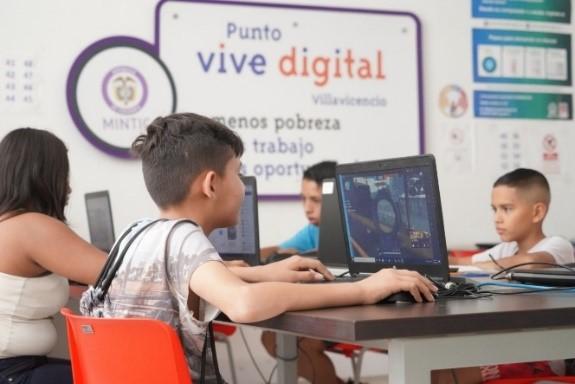 Activarán zonas digitales en sectores donde no hay internet